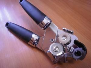 Механическая открывашка для консерв, банок и бутылок